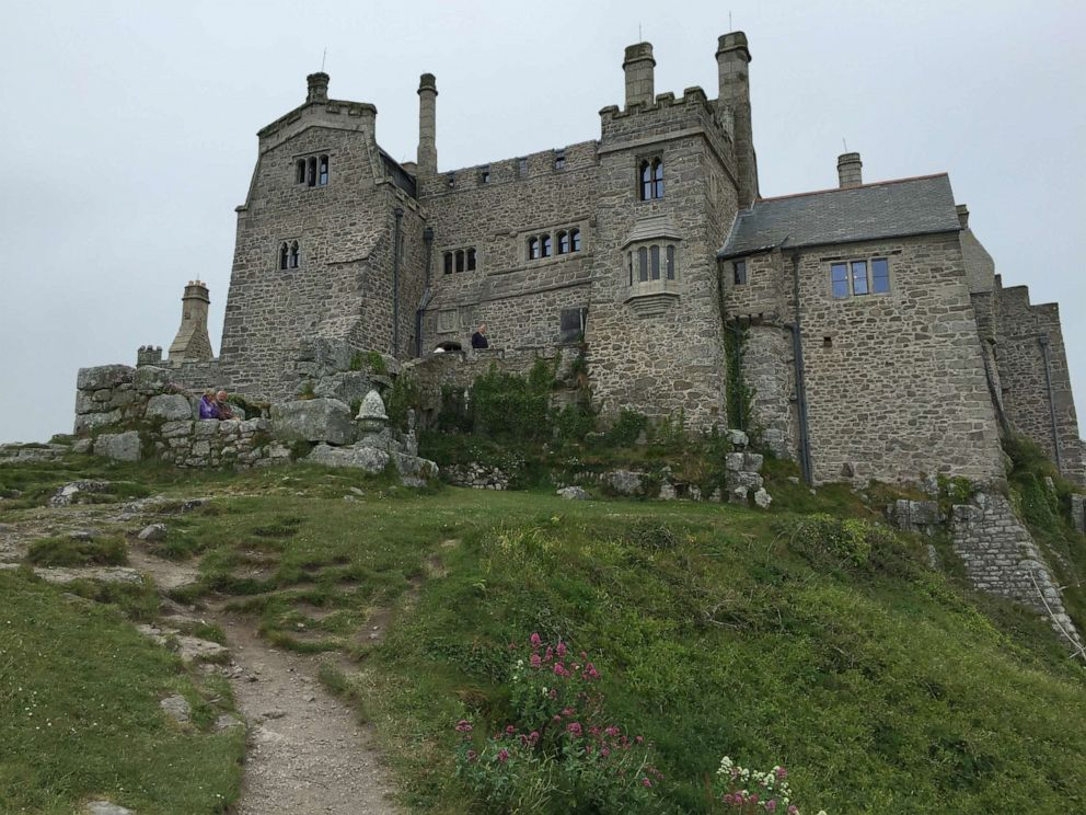 PHOTO: Castle on St. Michaels Mount Cornwall, England