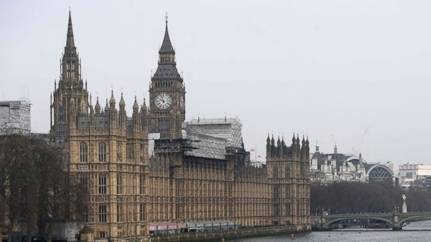 Roads near UK's Parliament reopened after vehicle deemed 'non-suspicious': Met Police