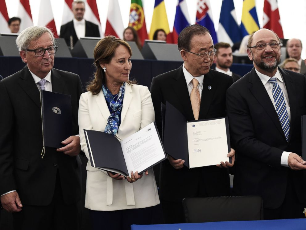 PHOTO: European Commissions President Jean-Claude Juncker, Frances Minister for Ecology, Sustainable Development/Energy Segolene Royal, UN Secretary-General Ban Ki-moon and European Parliament President Martin Schulz in France, on Oct. 4, 2016.