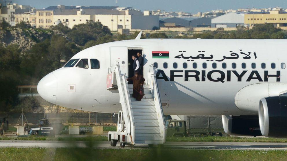 https://s.abcnews.com/images/International/GTY-hijaking-passengers-ml-161223_16x9_992.jpg