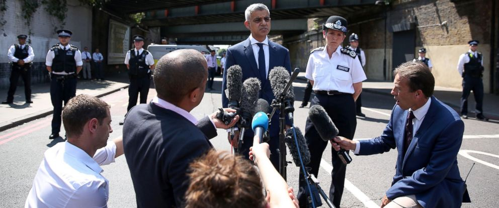 PHOTO: Mayor of London Sadiq Khan and Metropolitan Police Commissioner Cressida Dick give a statement to the media near the scene of an attack in the Finsbury Park following a vehicle attack on pedestrians, June 19, 2017.