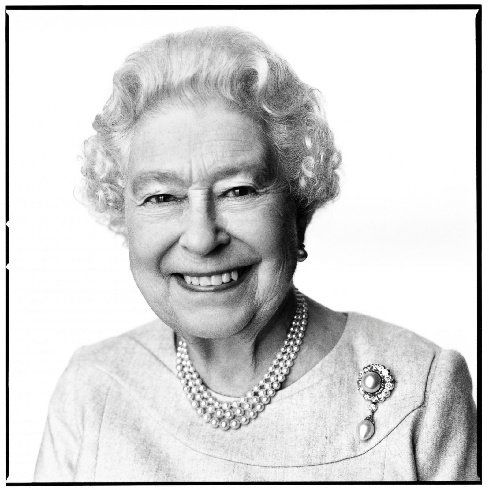Queen Elizabeth Ii S Life Through The Years Photos Abc News