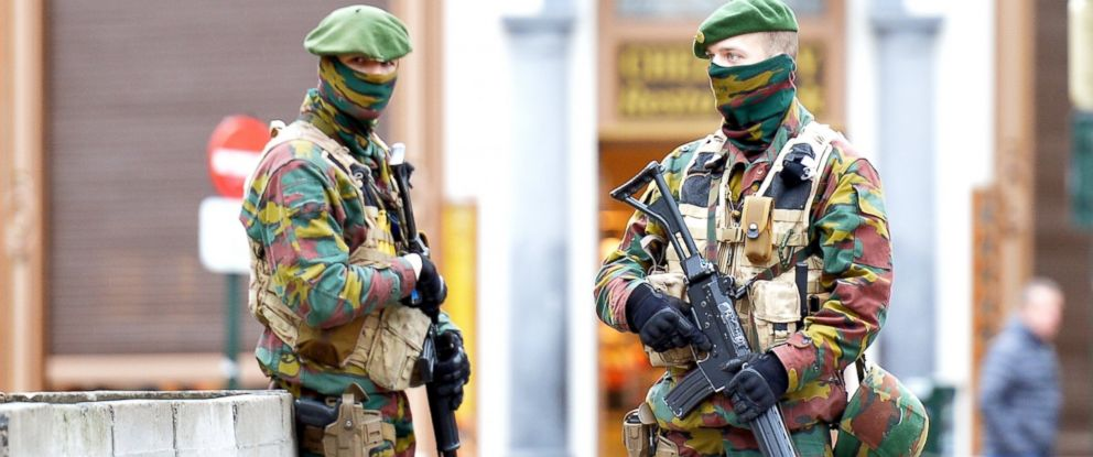 PHOTO:Security forces of Belgium stand guard as two people arrested on suspicion of terrorism in Brussels, Dec. 29, 2015.