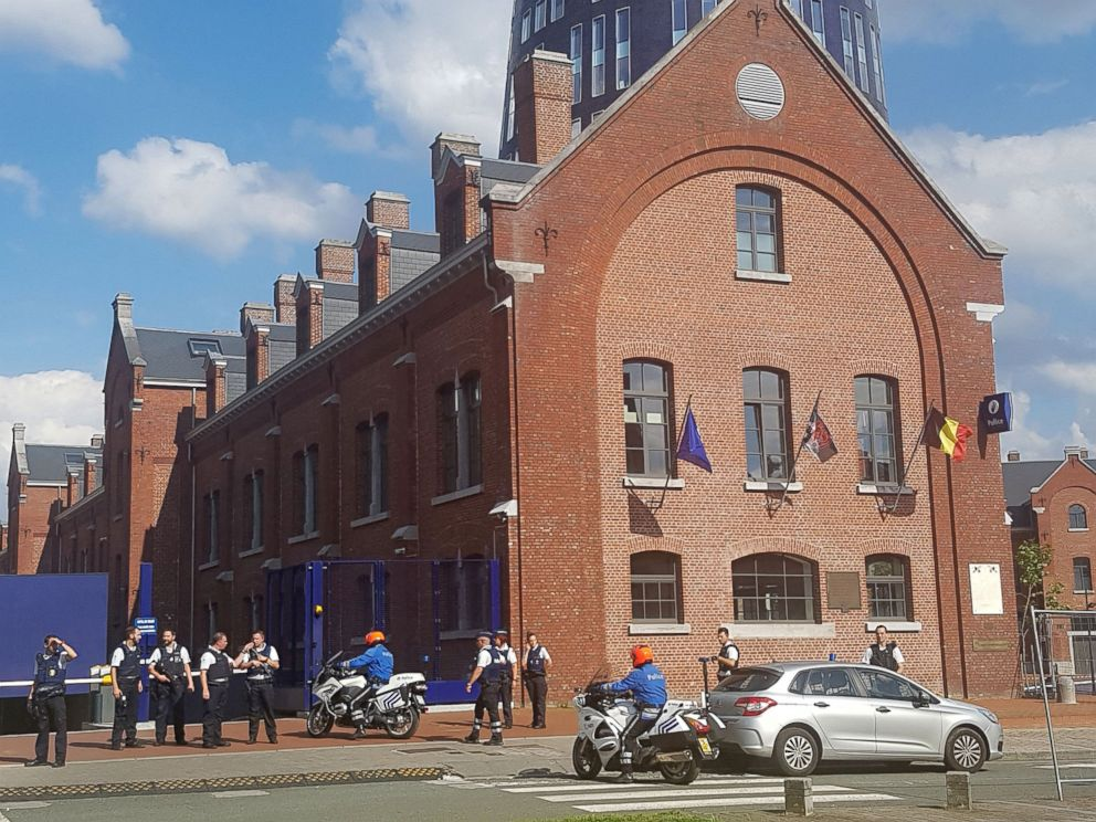 PHOTO: Police secure the area around a police building following a machete attack in Charleroi, Belgium, Aug. 6, 2016.
