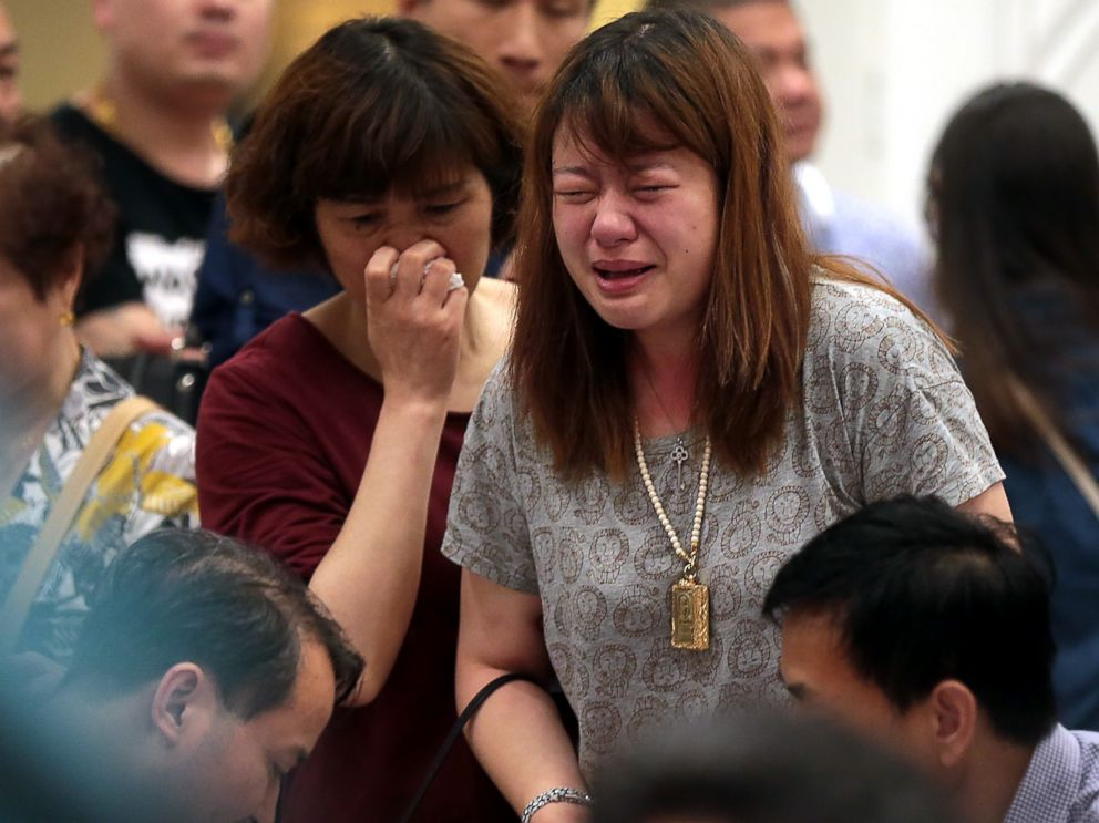 PHOTO: Relatives of passengers of the capsized ship Dongfangzhixing wait for news at the Shijiyuan Hotel on June 2, 2015 in Nanjing, China.