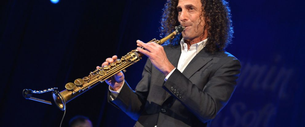 PHOTO: Kenny G performs at Hard Rock Cafe, Times Square, Jan. 14, 2014, in New York.