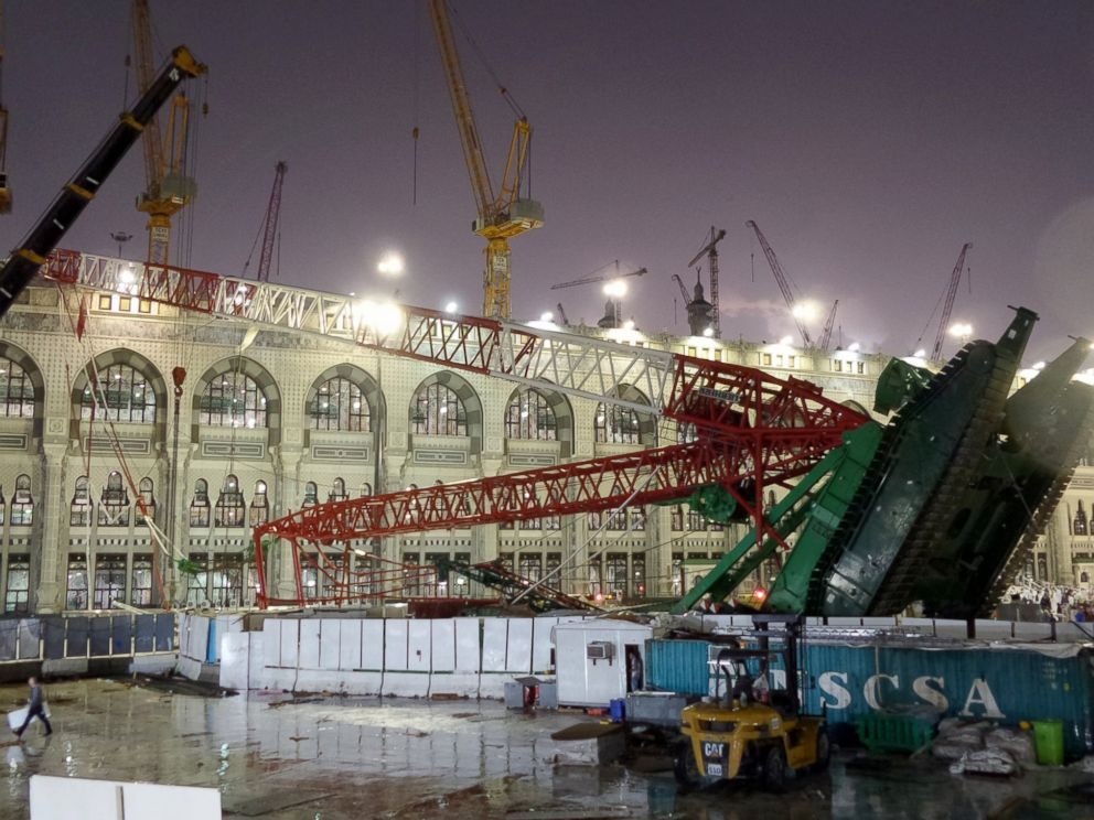 PHOTO: Several worshippers and others were injured when storms caused a crane to fall in Meccas Grand Mosque, Sept. 11, 2015.