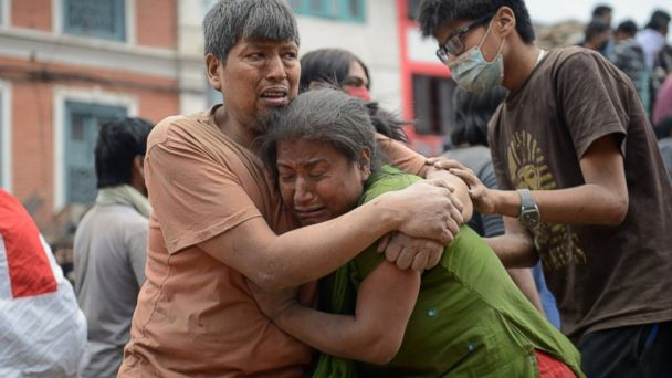https://s.abcnews.com/images/International/GTY_nepal_earthquake_6_jt_150425_1_16x9_608.jpg