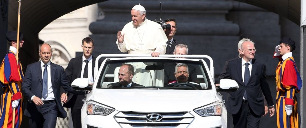 PHOTO: Pope Francis arrives in St. Peters Square, with his new Popemobile, for his weekly audience on June 3, 2015 in Vatican City.