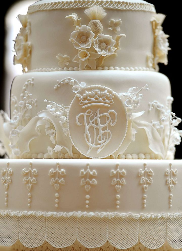PHOTO:The eight tiered Royal Wedding cake with the initials W & C made by the team at Fiona Cairns Ltd of Leicestershire made for Prince William and Catherine Middleton is seen in the Picture Gallery of Buckingham Palace, April 29, 2011.