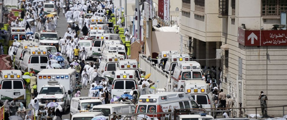 PHOTO: Saudi ambulances arrive with pilgrims who were injured in a stampede at an emergency hospital in Mina, near the holy city of Mecca, on the first day of Eid al-Adha on Sept. 24, 2015.