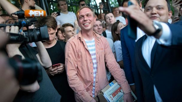 Russia drops charges against journalist after outcry