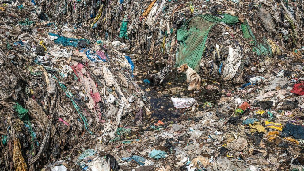 photographer captures plastic pollution nightmare in ahead  photographer captures plastic pollution nightmare in ahead of earth day abc news