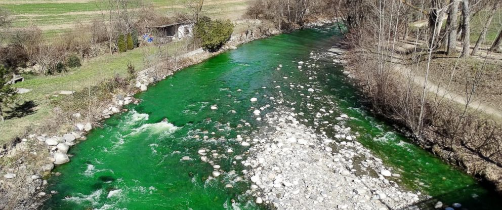 PHOTO: Officials intentionally turned the Gran Valira River in Europe green this week, to the dismay of many residents.
