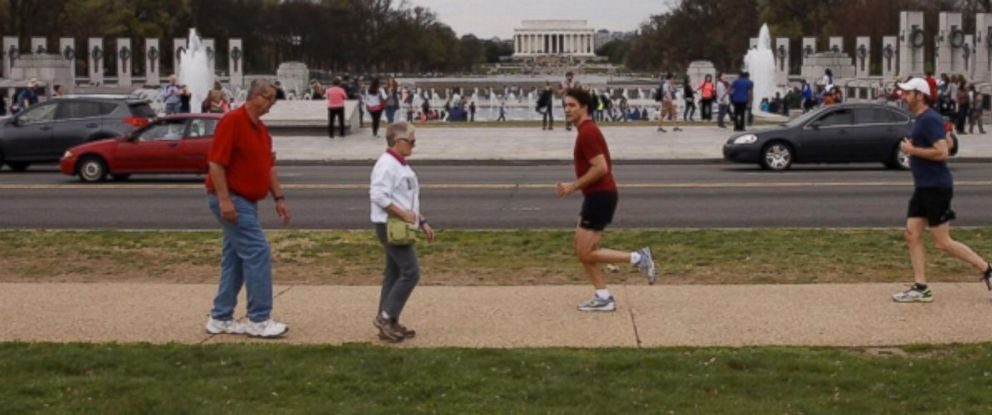 PHOTO:Canadian Prime Minister Justin Trudeau takes a jog around the National Mall in Washington, March 31, 2016.
