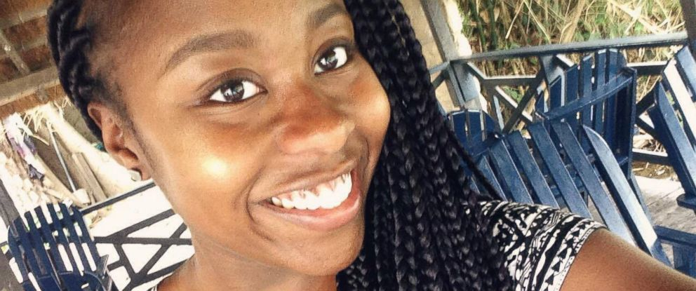 PHOTO: Akua Agyemfra, a 20-year-old college student from Toronto, said she quit her server job at a Jack and Astors Bar and Grill restaurant on March 8, 2016 after she felt discriminated for her natural hair.
