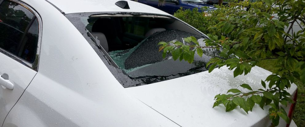 PHOTO: A St. Petersburg woman was hit by lightning in a moving car.
