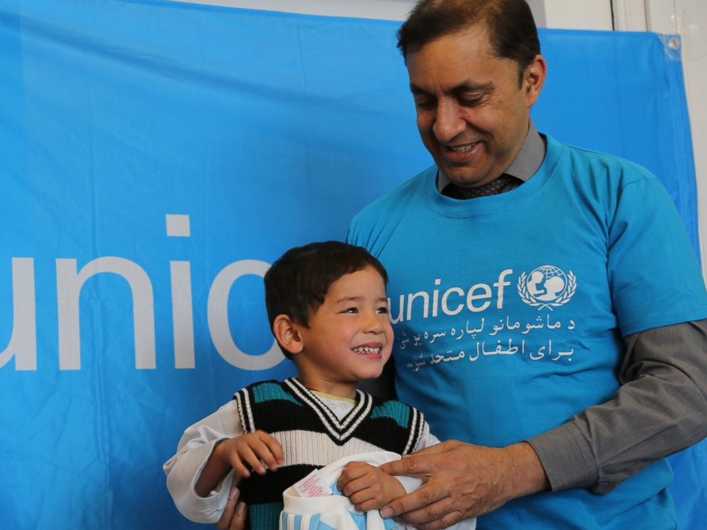 new product 3cbfe 4d7d6 Afghan Boy Who Wore Plastic Bag 'Messi' Shirt Gets Signed ...