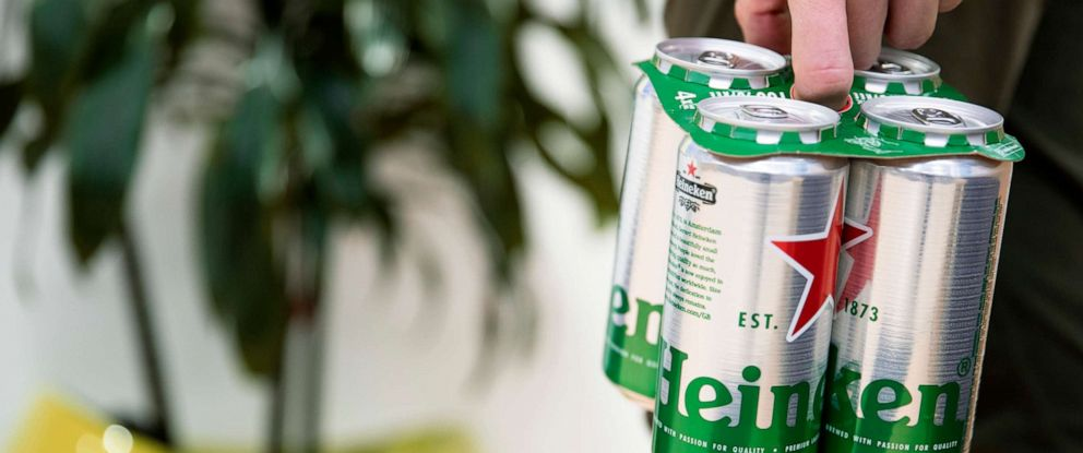 "PHOTO: Brewing giant Heineken has become the latest beer firm to replace the plastic ""six-pack rings"" with an environmentally friendly alternative in a bid to reduce plastic pollution."