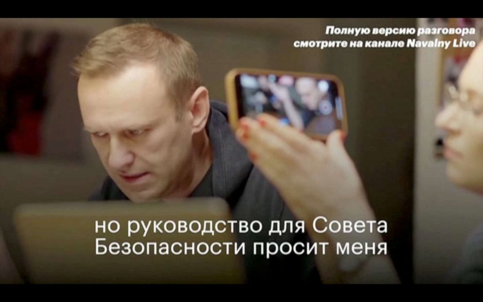 Navalny Says Russian Agent Accidentally Admitted To Poisoning Him Abc News