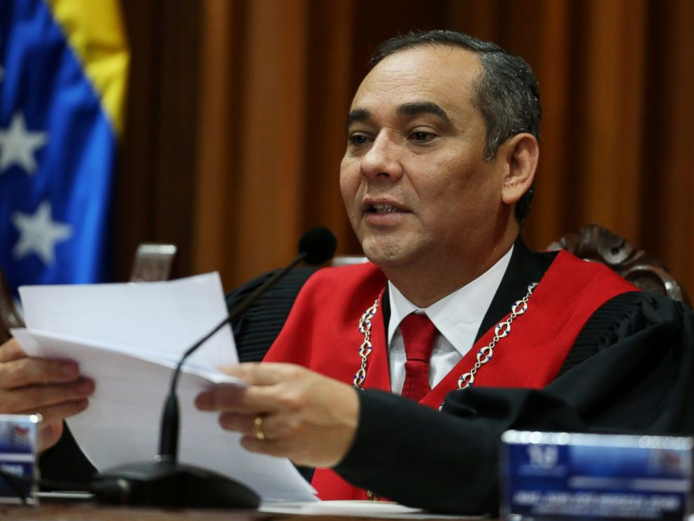 PHOTO: Venezuelas Supreme Court President Maikel Moreno, speaks during a news conference at the Supreme Court of Justice (TSJ) in Caracas, Venezuela April 1, 2017.