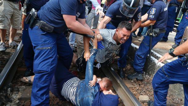 https://s.abcnews.com/images/International/RT_migrant_crisis_05_mm_150903_16x9_608.jpg