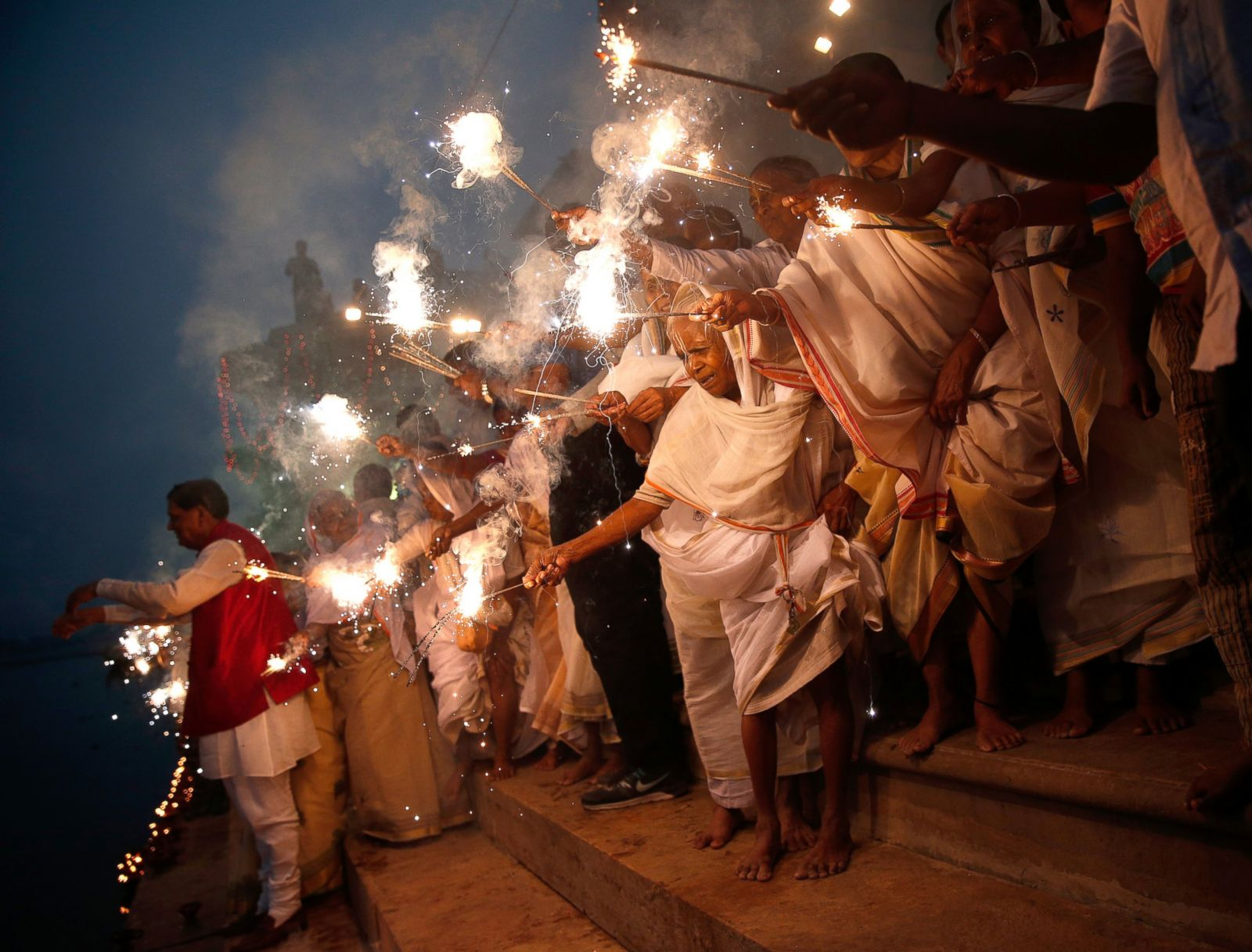 essay on celebration of indian festivals India: festivals of india indian festivals bind all indians together of different castes,religions,etc there is no discrimination while celebration.