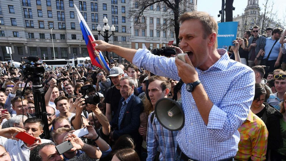 Russian opposition leader Alexey Navalny 'poisoned' - ABC News