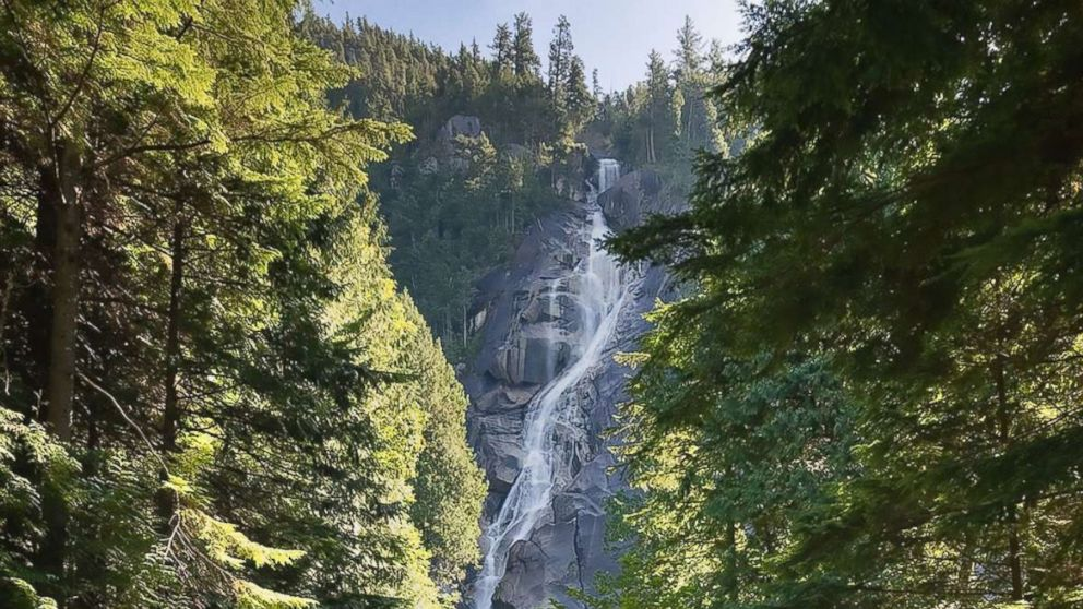 This handout photograph obtained July 6, 2018 shows the 335-meter-high (1,100-foot) Shannon Falls, 50 km (30 miles) from the city of Vancouver, British Columbia. Three video bloggers suffered fatal injuries after they slipped and fell into a pool 30 meters below.