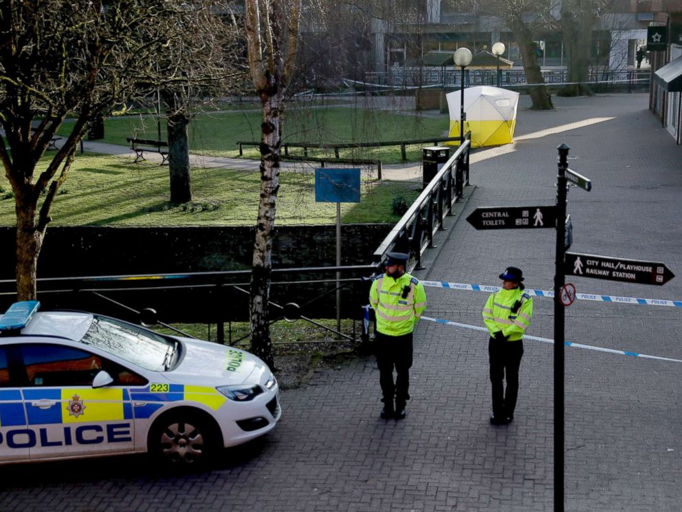PHOTO: Police officers guard a cordon around a police tent covering the the spot where former Russian double agent Sergei Skripal and his daughter were found critically ill following exposure to an unknown substance in Salisbury, England, March 7, 2018.