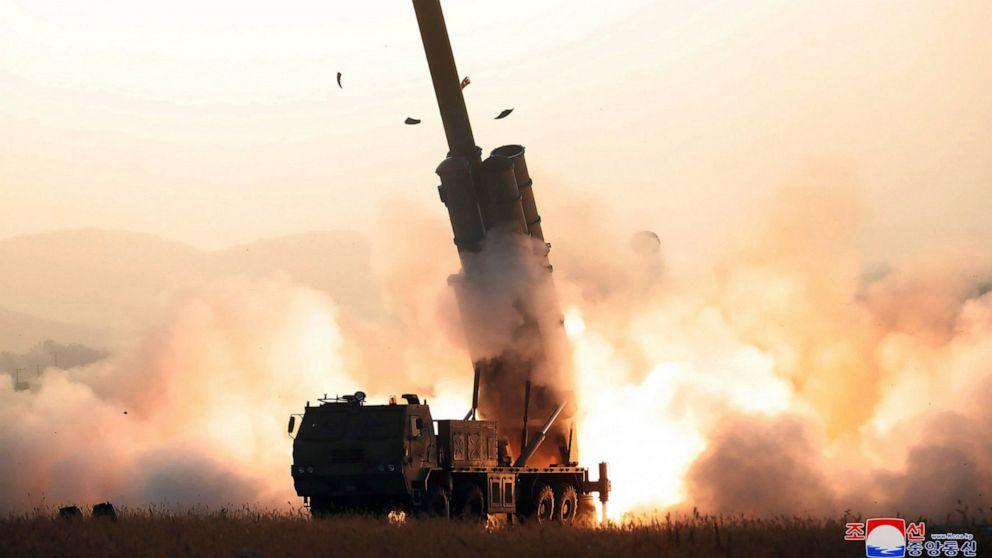 北朝鮮のように試験-火新たな複数のロケットランチャー