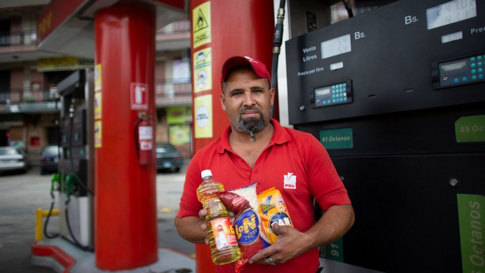 Venezuelans buy gas with cigarettes to battle inflation thumbnail
