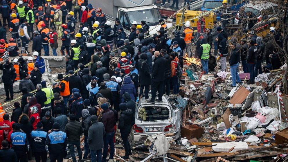 Turkey 4 Detained Over Deadly Building Collapse Abc News
