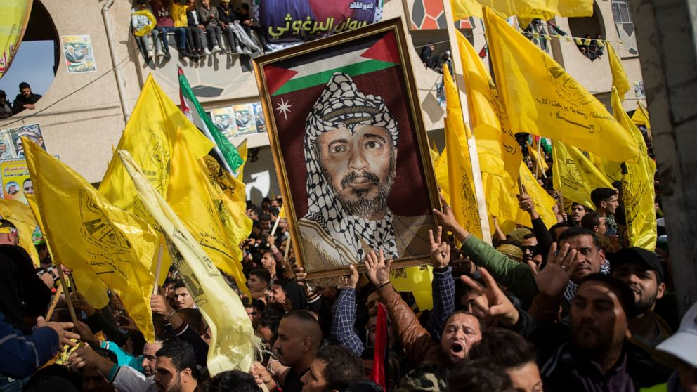 Hamas allows rival Fatah to mark anniversary in Gaza rally thumbnail