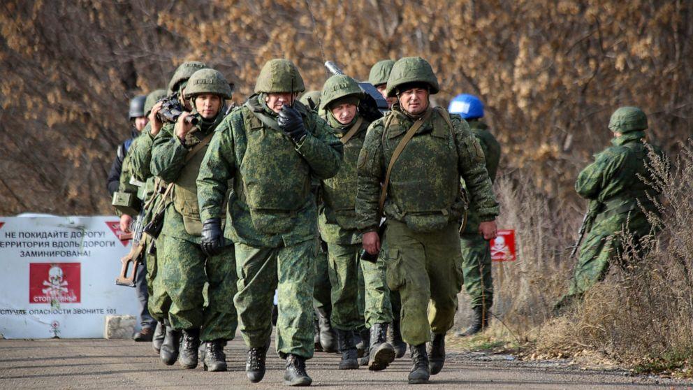 Νέα στρατιωτική υποχώρηση αρχίζει στην ανατολική Ουκρανία