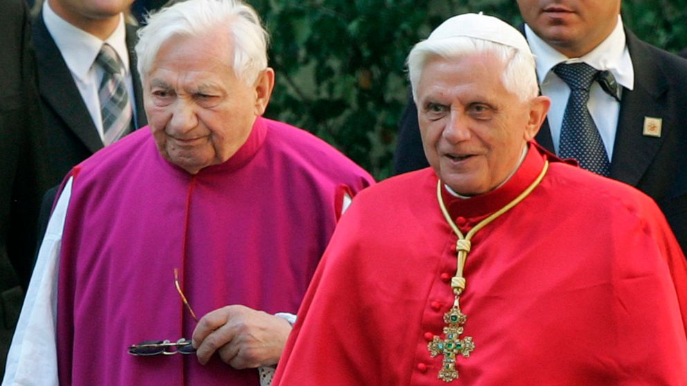 Retired pope's elder brother, Georg Ratzinger, dies at 96 thumbnail