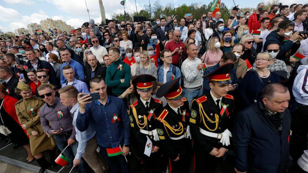 Belarus holds Victory Day parade, disregarding coronavirus thumbnail