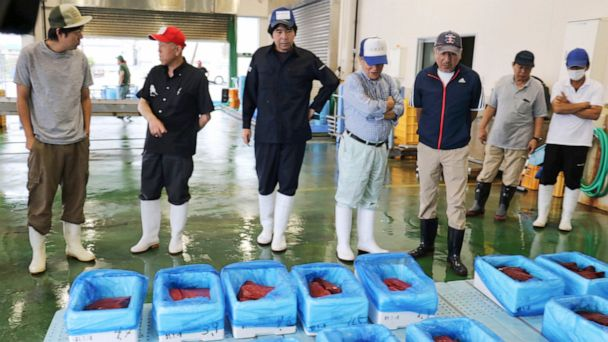 Whale meat fetches 'celebration prices' after Japanese hunt