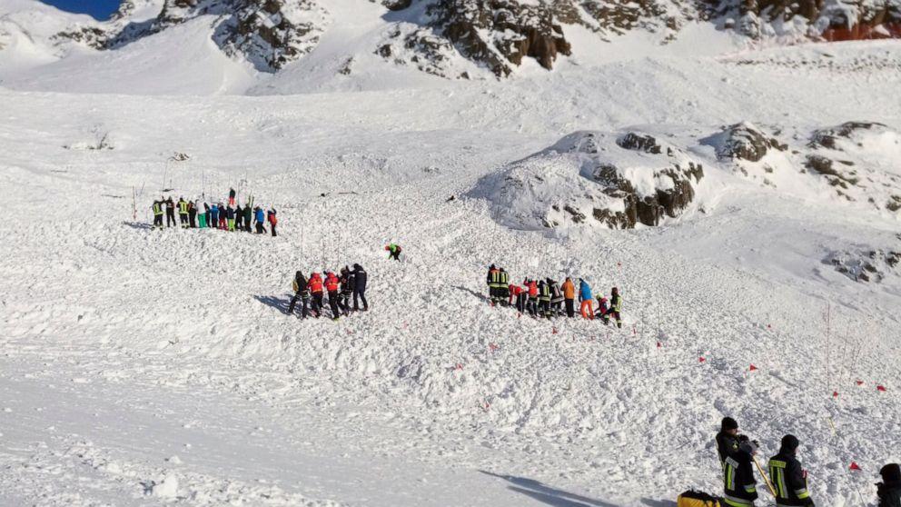 Lawine auf italienischen Gletscher tötet Frau, 2 Kinder