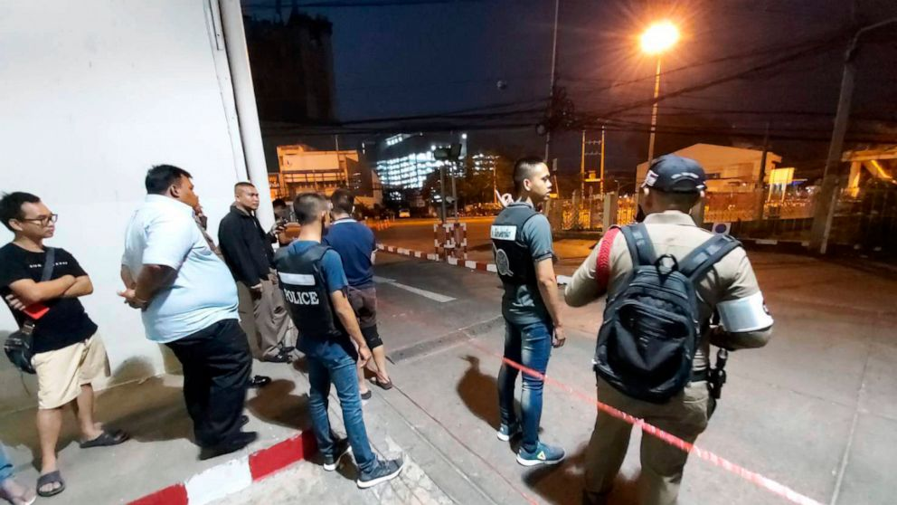 Ταϊλανδός στρατιώτης σκοτώνει περισσότερα από 10 άτομα, τρύπες στο mall
