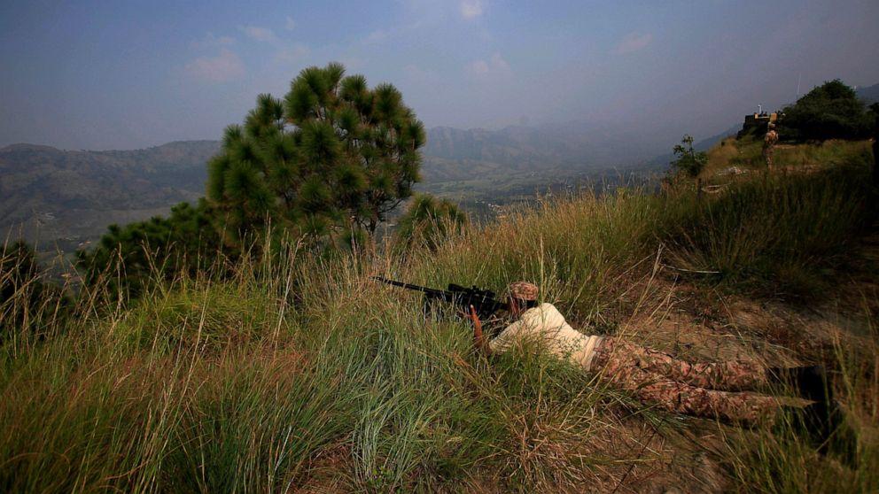 Pakistani, Indian militaries agree to stop firing in Kashmir