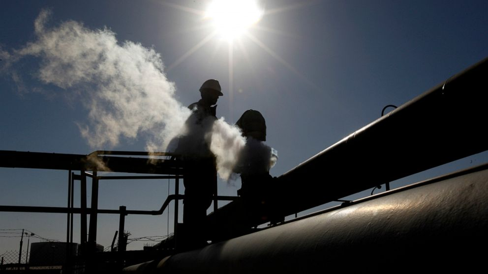 Libya says oil shutdown has caused over $255 million losses thumbnail
