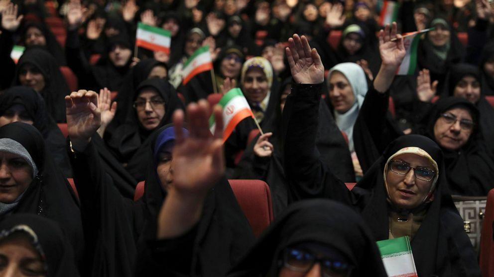Als internet-restauriert, online-Iran protest videos zeigen chaos