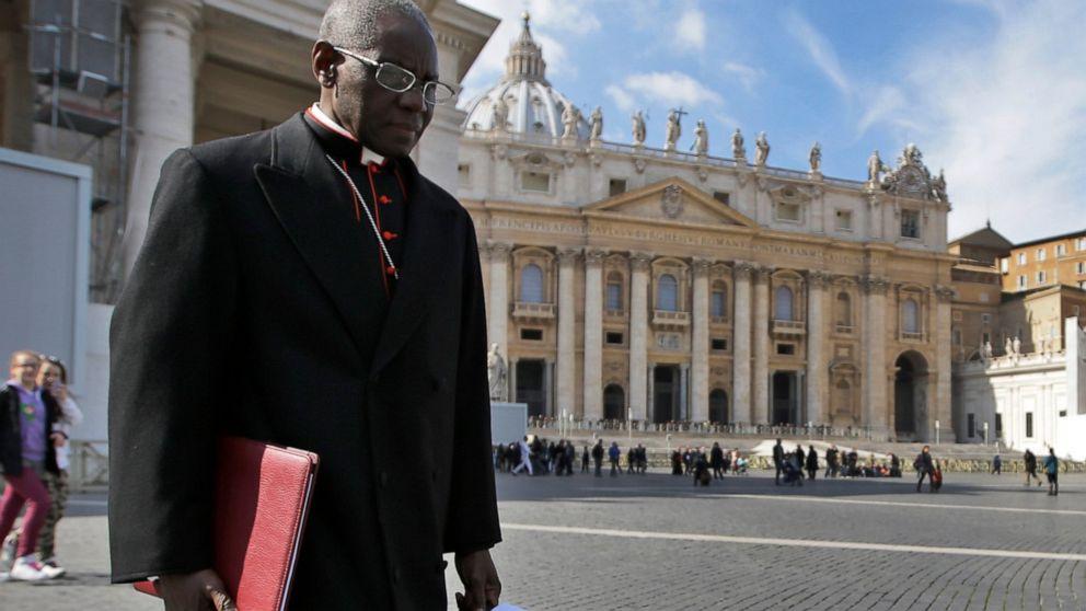 Cardinal di pusat 2 Paus badai ganda pada selibat