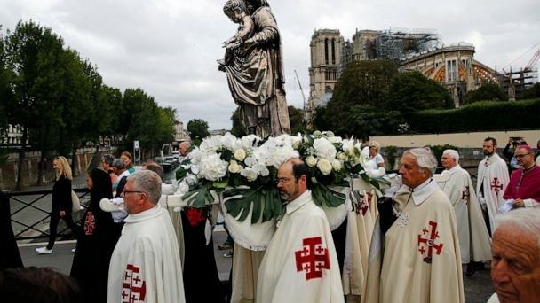 Emotional Paris ceremony near Notre Dame for Assumption Day