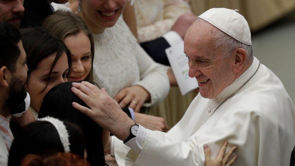 教皇交渉に教皇kiss後の論争:'な咬!'