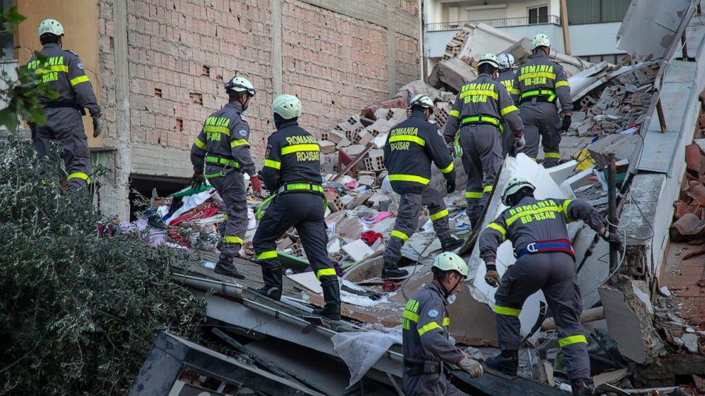 Balkan countries rush to help in Albanian earthquake thumbnail