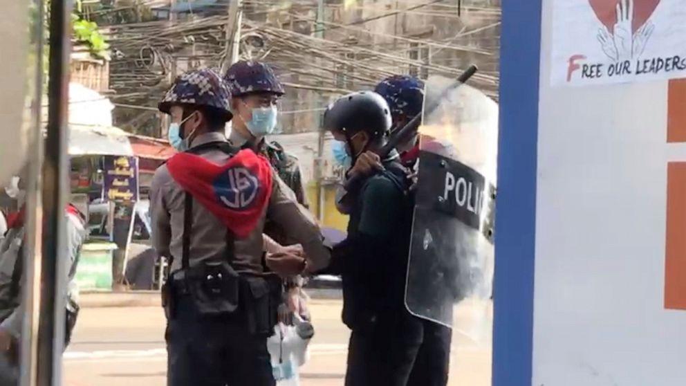Video: Myanmar police hold AP journalist in chokehold