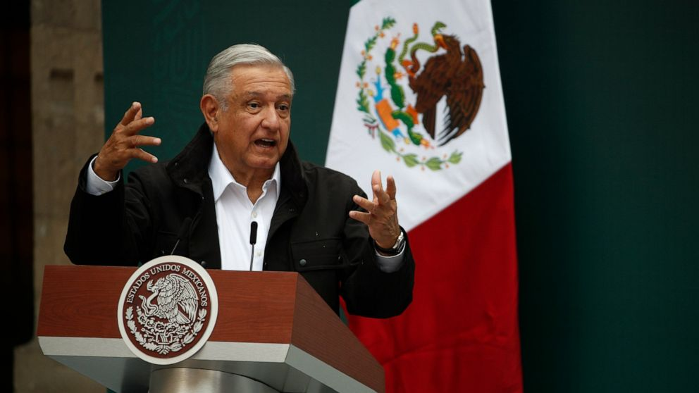Mexico to pursue soldiers, federal police in abduction probe thumbnail