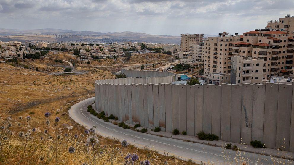 Israeli annexation plan draws apartheid comparisons thumbnail